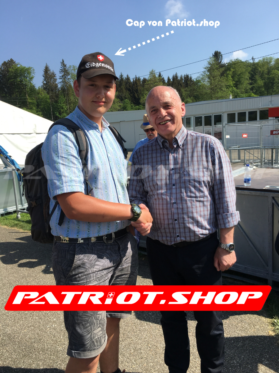 Handschlag mit unserem SVP Bundesrat Ueli Maurer